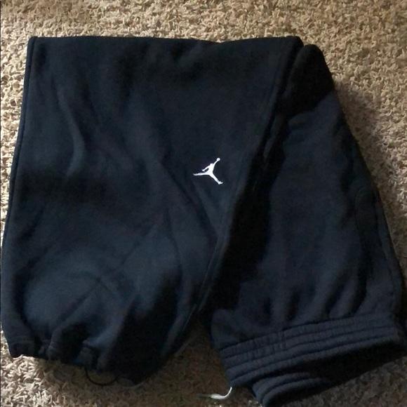 2553685f6428e4 Jordan Other - Black Fleeced lined Jordan sweatpants